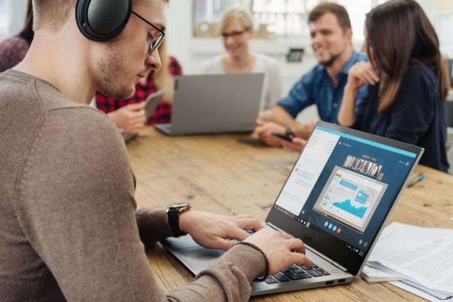 Lenovo Thinkbook je štýlový notebook nielen pre mladé firmy