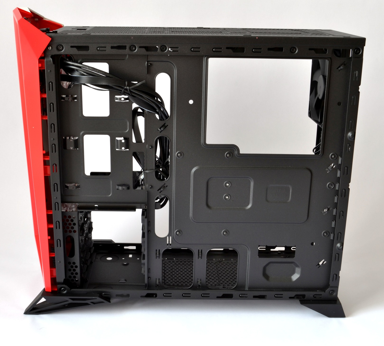 corsair spec alpha 13 tray