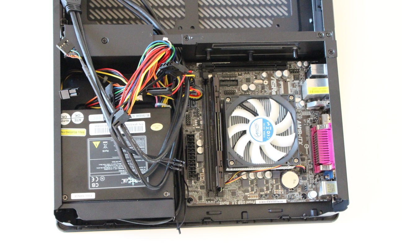 fractal design node 202 test 19 mobo instal
