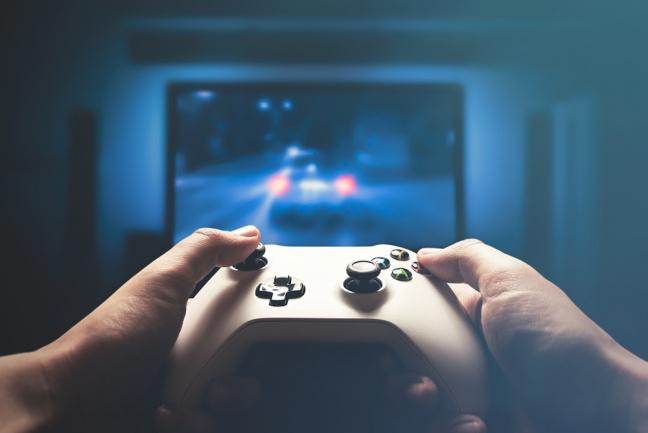 Forza Horizon 4 vyniká dynamickou zmenou ročných období