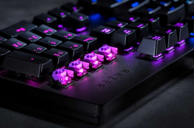 Razer predstavil svoju prvú klávesnicu s opto-mechanickými spínačmi
