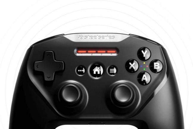 SteelSeries Nimbus+ je bezdrôtový gamepad pre Apple zariadenia